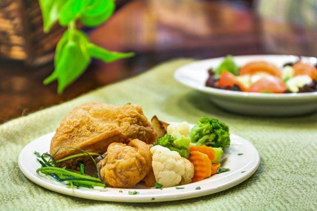 Bridgewood Gardens | Fried Chicken with Vegetables