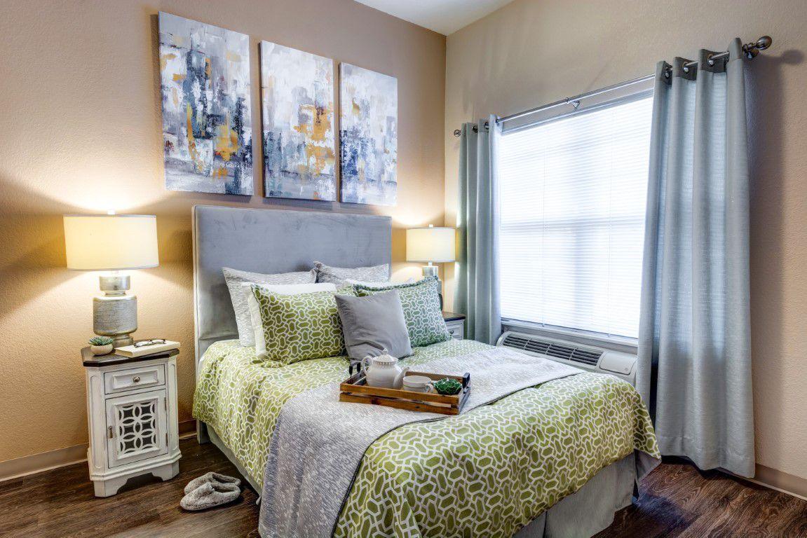 Broadway Mesa Village   Bedroom