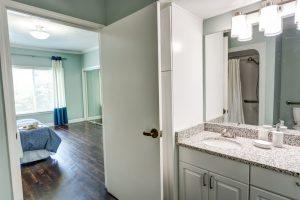 Castlewoods Place   Bathroom