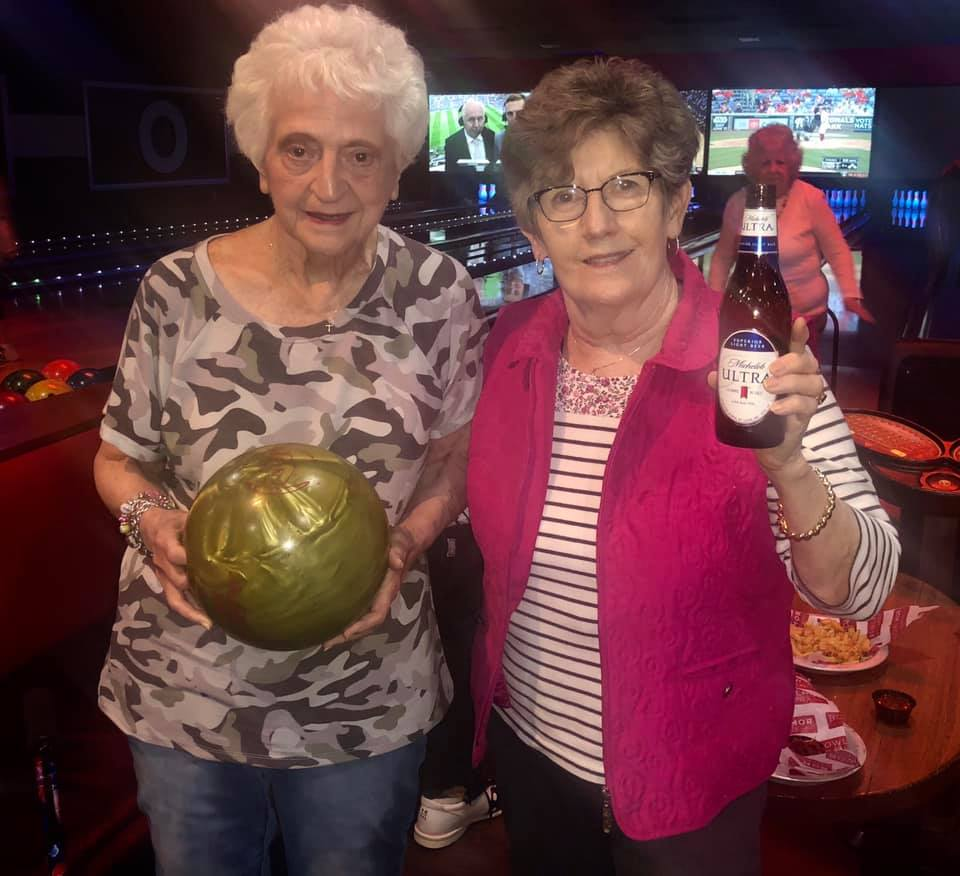 Dunwoody Place | Outing at bowling alley