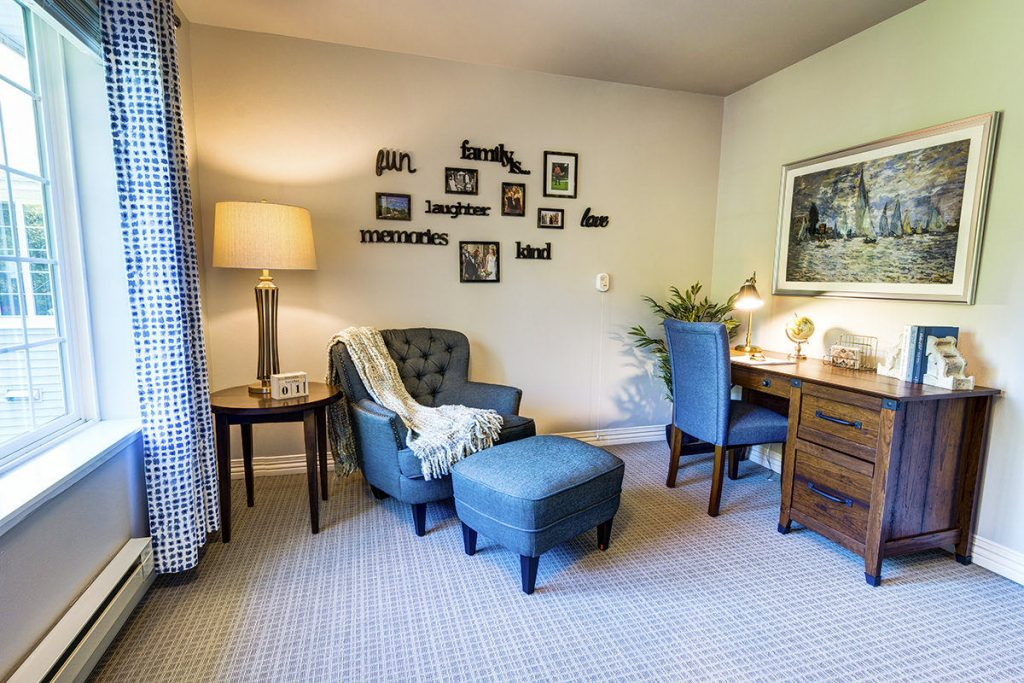 Gig Harbor Court | Living Room