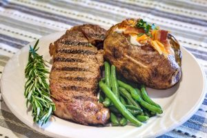 steak dinner plate at Glenwood Village of Overland Park, KS