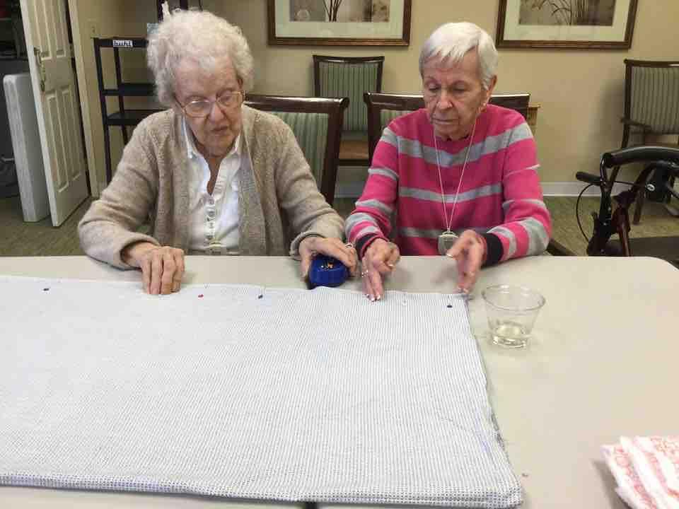 Glenwood Village of Overland Park | Senior women making craft