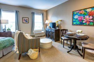 Glenwood Village of Overland Park   Living Room