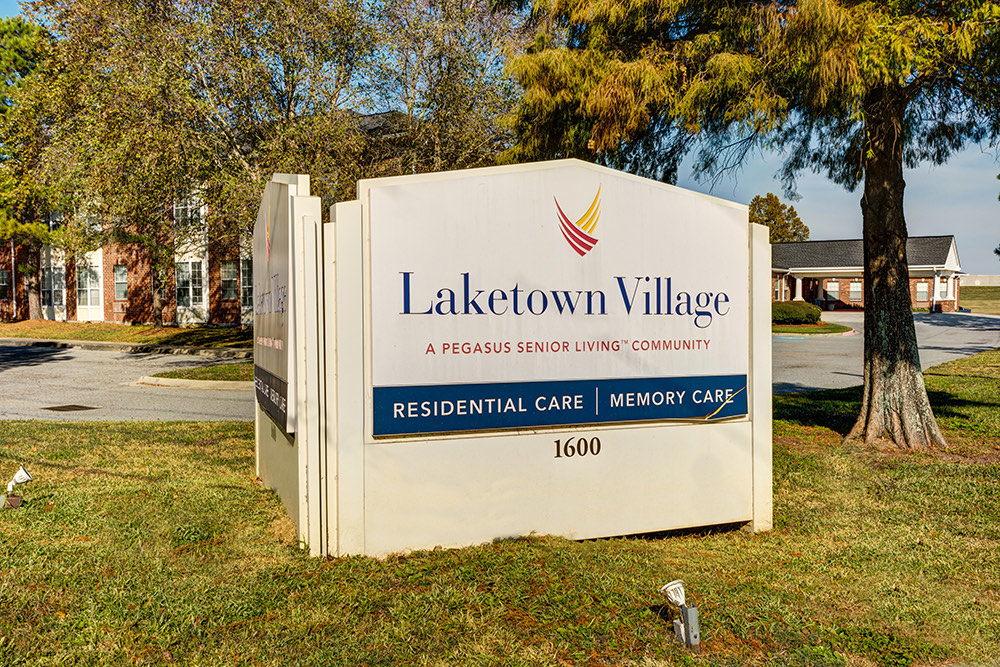 Laketown Village | Outdoor Sign
