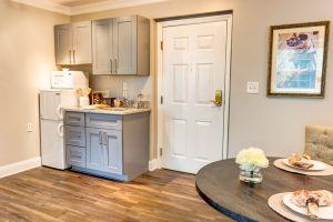 Magnolia Place of Roswell | Kitchenette