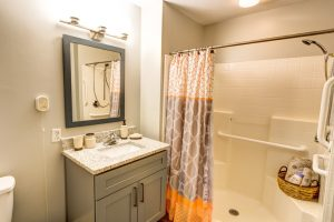 Magnolia Place of Roswell | Bathroom