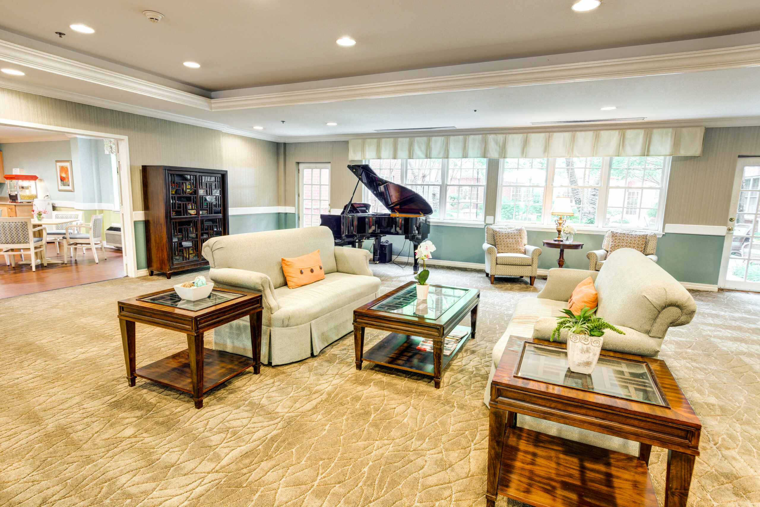 Magnolia Place of Roswell | Community Area