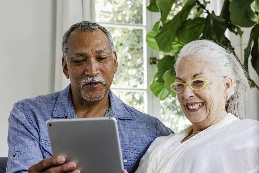Ridgeland Place | Seniors using tablet