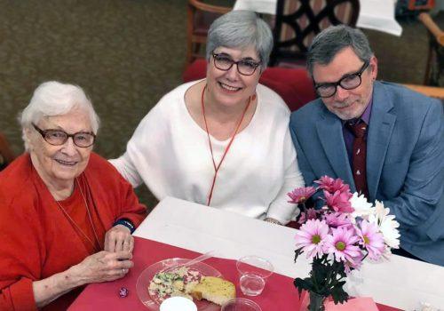 Ridgeland Place | Senior woman with family