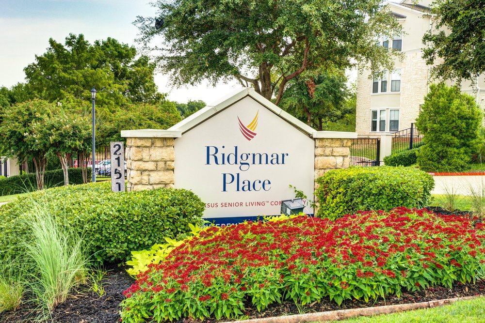 Front sign at Ridgmar Place in Fort Worth, TX
