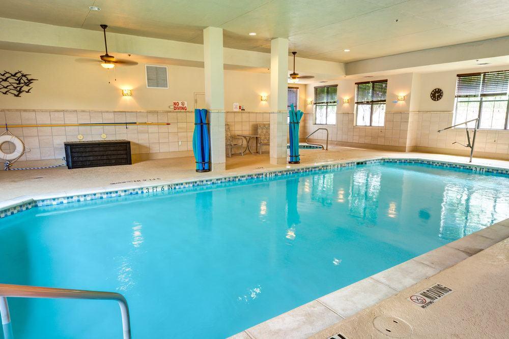 Ridgmar Place | Swimming Pool