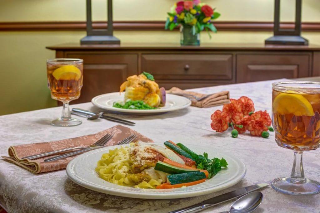Sun City West | Dinner plates