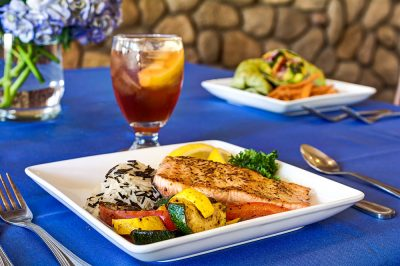 The Chateau at Gardnerville | Dinner plates at table