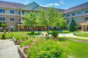 The Courtyards at Mountain View | Outdoor Garden