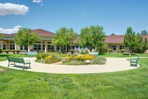 The Courtyards at Mountain View | Outdoor Garden and Path