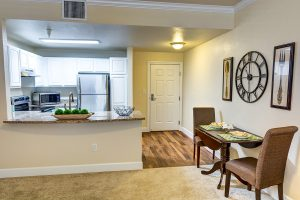 The Courtyards at Mountain View | Kitchen and Dining Area