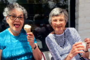 The Courtyards at Mountain View | Residents eating ice cream