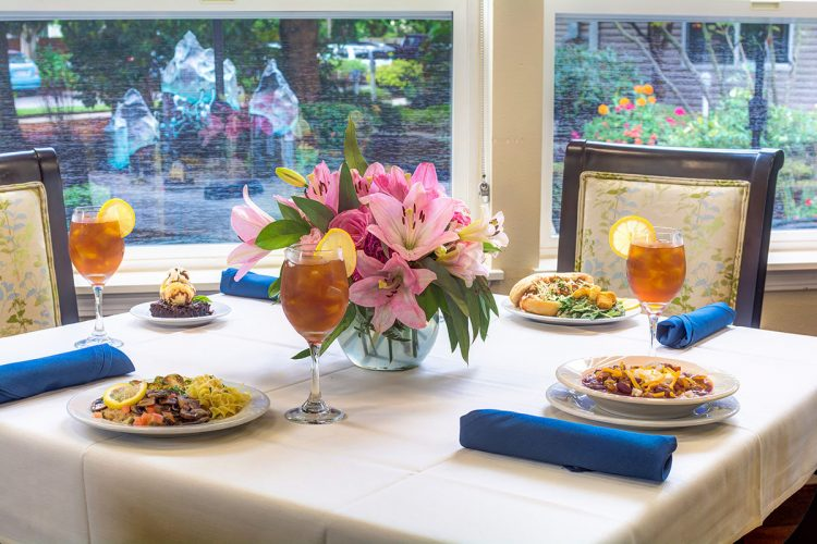 The Gardens at Marysville | Dinner plates