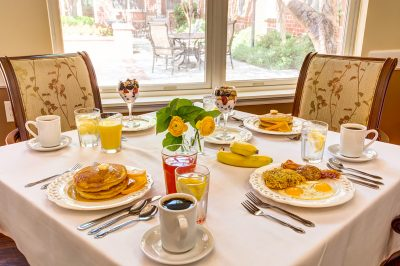 Pegasus Senior Living | Dining table