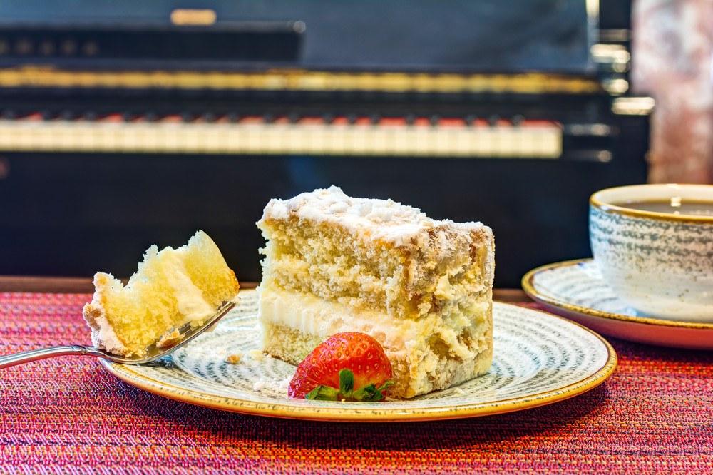 The Oaks at Inglewood   Cake