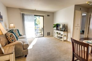 The Oaks at Inglewood | Living Room