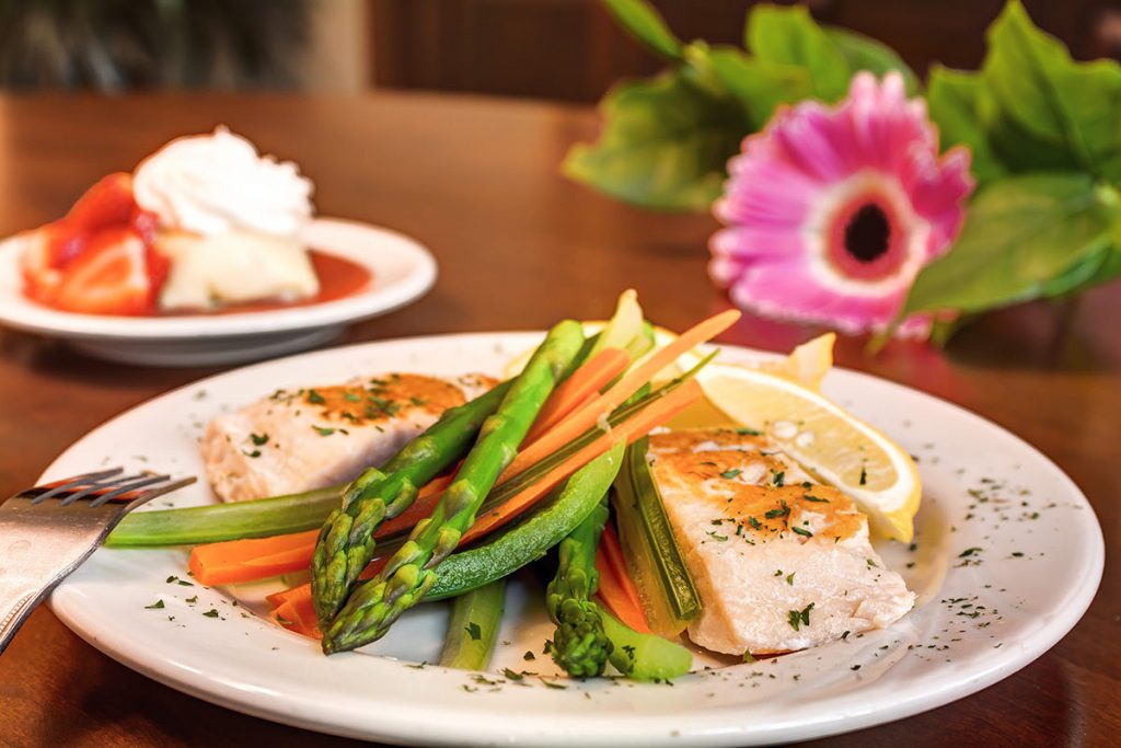 The Rivers at Puyallup | Salmon and vegetables