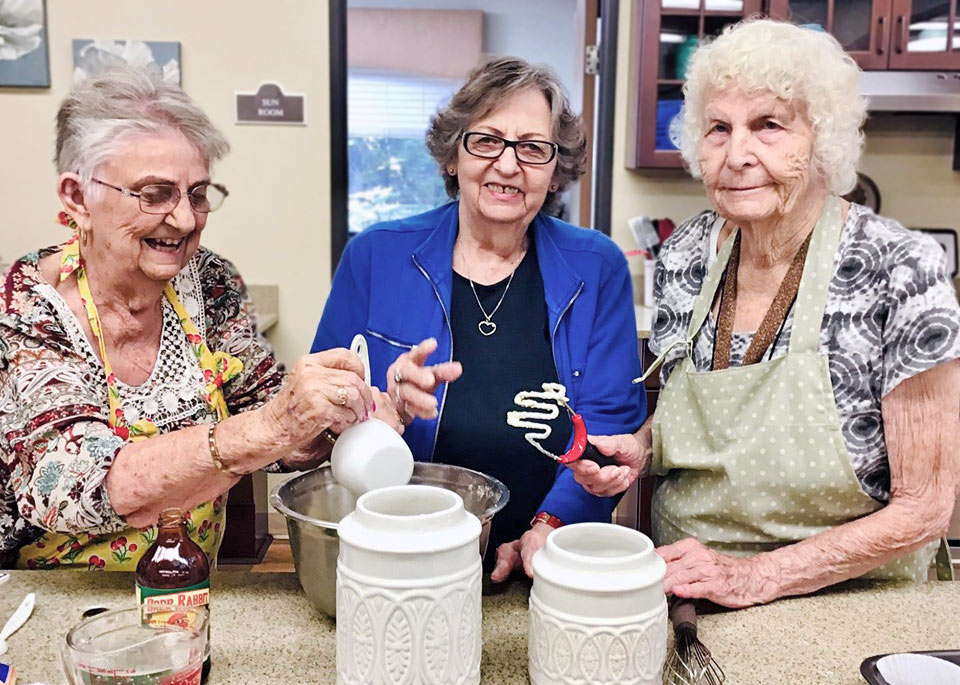 The Rivers at Puyallup | Residents baking cookies