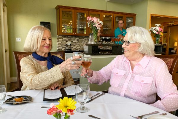 Town Village of Leawood | Senior friends enjoying a meal