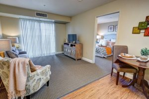 Whispering Winds of Apple Valley   Apartment Suite