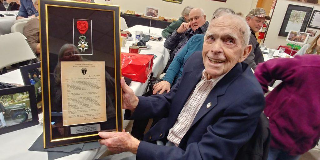 Pegasus Senior Living | Loren Kissick receives French Medal of Honor at The Rivers at Puyallup in WA