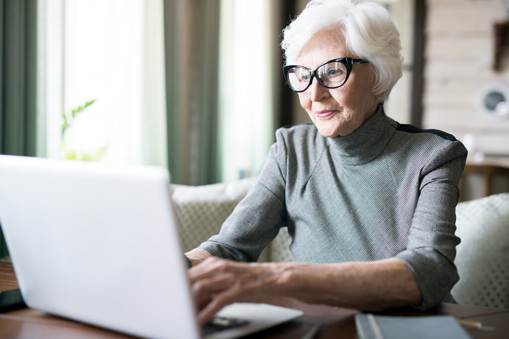 Pegasus Senior Living | Woman using computer