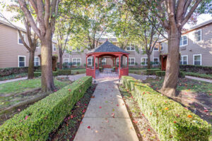 Sterling Court at Roseville | Courtyard