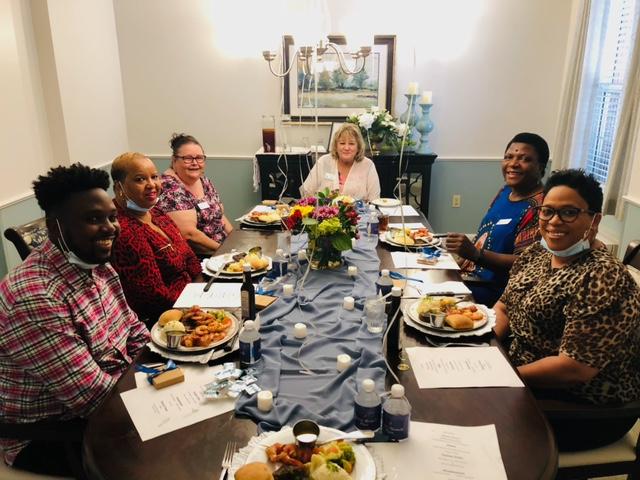 Historic Roswell Place | 10yr+ dinner celebration, Associates eating dinner